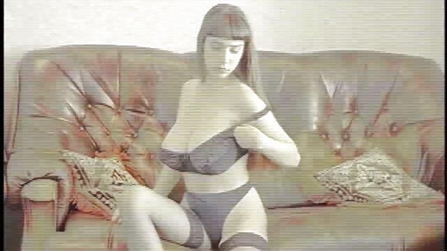 Amant mature a des relations sexuelles à l'extérieur film lesbienne porn avec une blonde