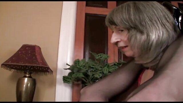 Deux minx ont fait films x lesbienne plaisir à un homme