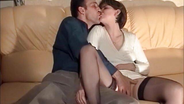 Espagnol chaud chevauchant une film lesbienne porno francais bite