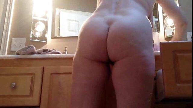 Le video porno lesbiene mec baise dans le cul de deux chiennes passionnées