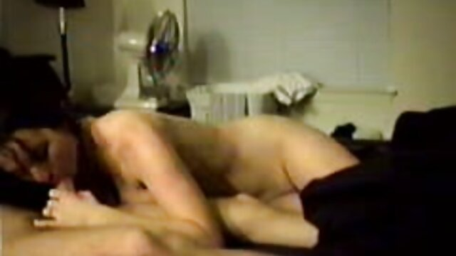 Le vagin juteux d'une fille veut film lesbienne porno prendre la bite d'un ami pendant longtemps
