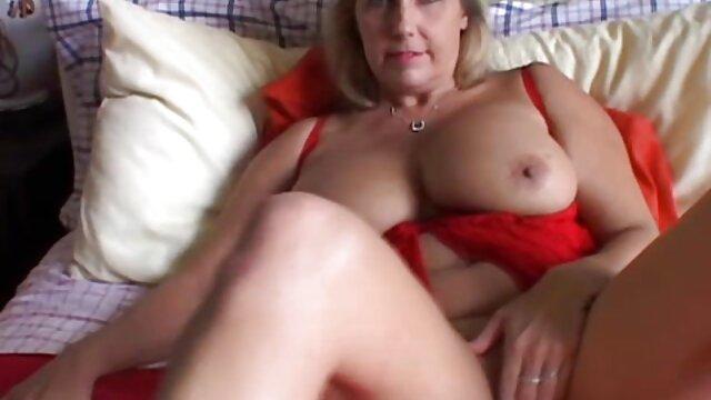 La femme film porno lesbienne massage fatale a couché spontanément avec un homme