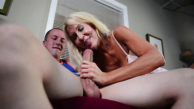 Fête avec film de lesbienne porno sexe pour trois