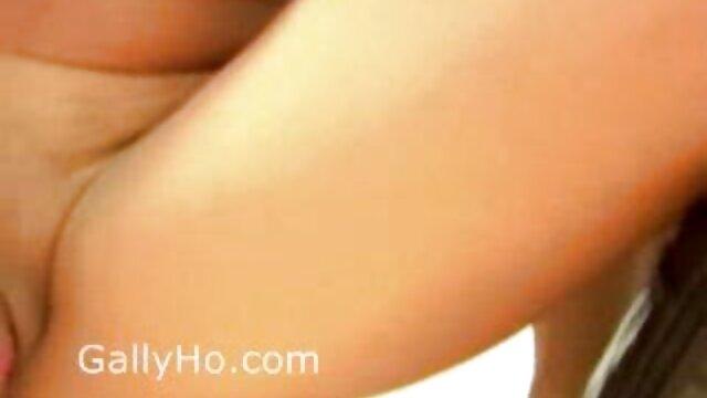Beauté clouée dans film porno lesbienne gratuit le cul