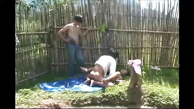 Fille blanche attendait un plan à trois avec deux noirs video gratuite lesbi gonflés