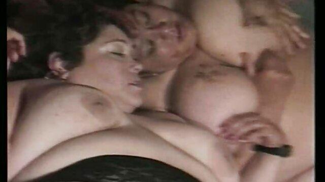 Nous nous sommes rencontrés en vacances et avons eu une bonne baise film porno lesbienne gratuit