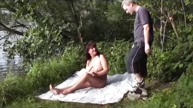 La fille devant film x gratuit lesbienne son mari baise avec son ami