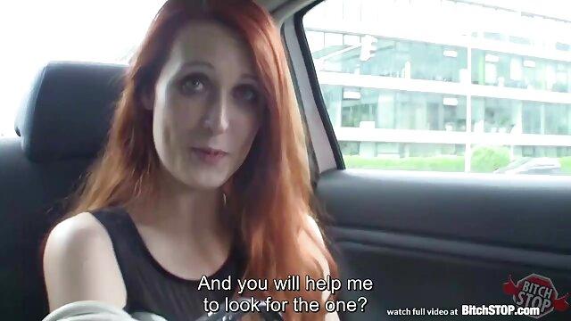 Les poupées se sont livrées à un porno tube lesbien goujon à pompage anal