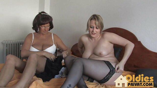 Deux bites dans film x francais lesbienne le cul