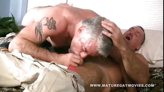 Dans le cul, donc dans lesbienns xxx le cul