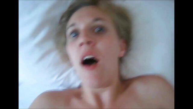 La nana surjoue, lesbien porno film mais le monsieur est content