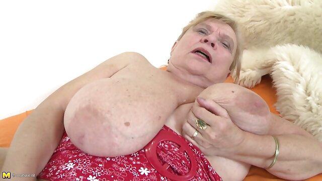 Première film lesbienne chaude beauté dans le porno