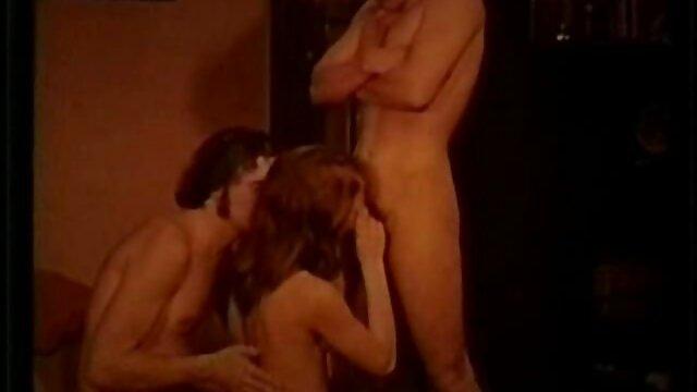 Dédié aux amateurs de film porno esbienne footfitish. Capacité à satisfaire avec les pieds.