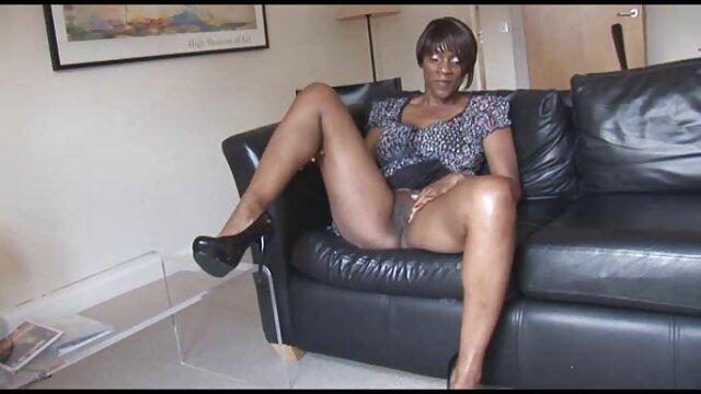 Salope lubrique a organisé une orgie avec des video lesbienne black amis